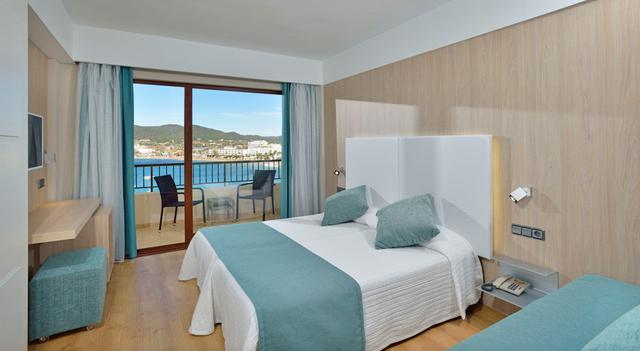 Habitació familiar vista mar  alua hawaii ibiza eivissa