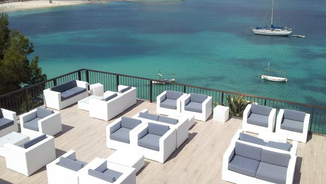 Zona chill out alua hawaii mallorca & suites